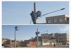 جابه جایی تیرهای برق قسمت تعریض شده خیابان شهید مدرس