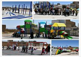نصب مجموعه لوازم بازی در پارک محله لاج